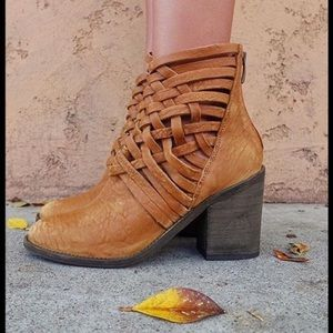 Free People Carerra Heel Booties in Vintage Tan 39